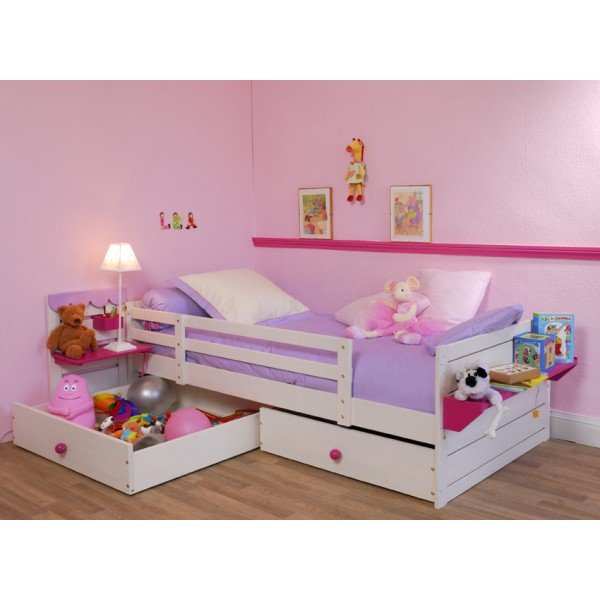 comment choisir le lit de votre b b baby centre. Black Bedroom Furniture Sets. Home Design Ideas